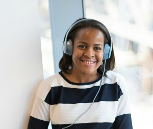 black-woman-with-headphones